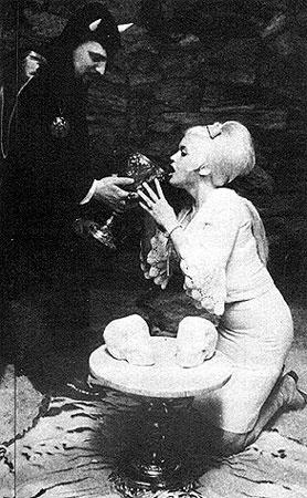 Jayne Mansfield: publicity whore, rumoured Satanist, Hollywood sex goddess. (3/3)