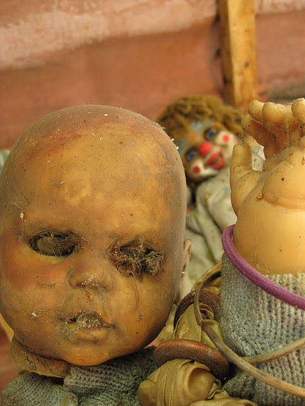The haunted 'Island of the Dolls.' (1/2)
